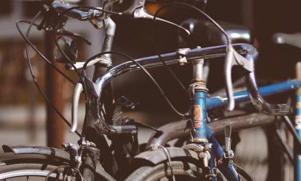 Des vélos à réparer à Emmaüs Niort et Prahecq